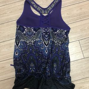 Athleta Tops - Athleta blousy fitness top with built in bra M